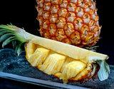 「ゴールドバレル」沖縄県産パインアップル 1玉 約1.6kg 化粧箱 ※冷蔵