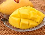 タイ産マンゴー『ナムドックマイ種』3玉 計約900g