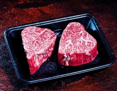 肉の切り口に少し赤身が残るくらいまで焼くのがポイント