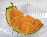 茨城県 JA茨城旭村 『赤肉メロン』 糖度14度以上 秀品限定 特大4Lサイズ 品種:クインシー他 産地箱約4kg(3玉入) ※常温