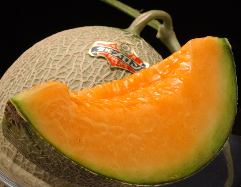 とろける果肉の食感が魅力 北海道のブランドメロン 夕張メロン
